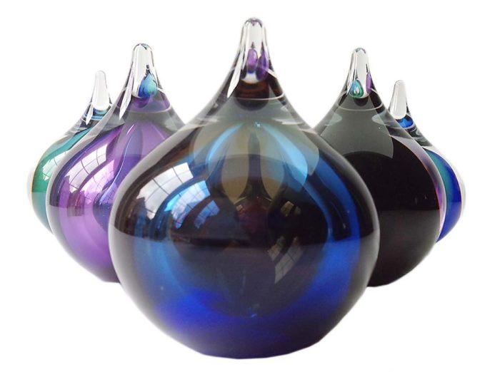 kleine kristallglaser D blasene urne cognac