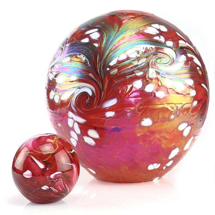kleine kristallglaser urne kugel elements red