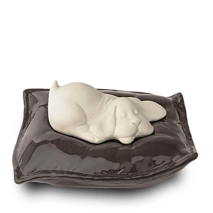 Brauner Schlafender Hund auf Kissen Tierurne (0,8 Liter) Hundeurnen