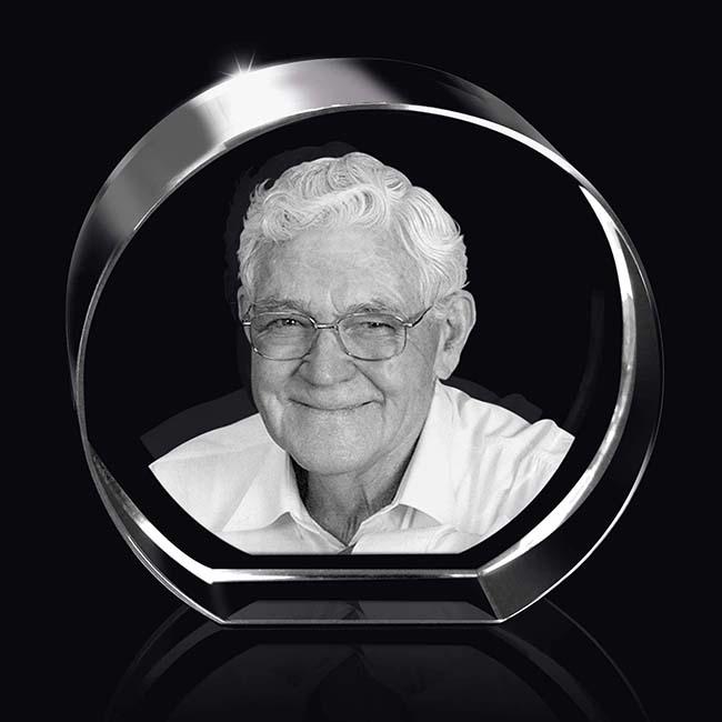 Gerundete Kristallglas Relikt mit Lasergravur (9 cm) Glas Mini art Urnen
