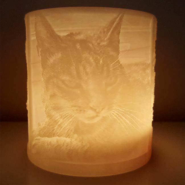 Erinnerungslicht mit drei 3D-Porträts Ihrer Katze Katzenurnen