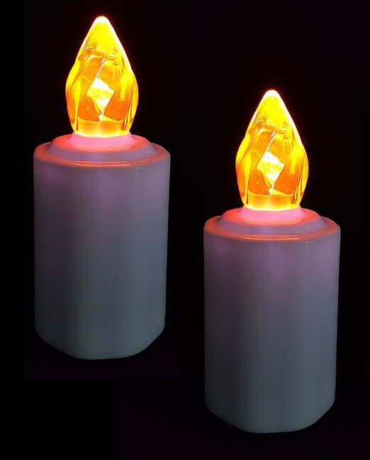 Zwei Wasserdichte LED-Kerzen Gelbe Flamme LED-Kerzen