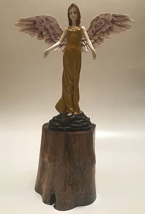 Handgemalter Friedensengel auf Baumstumpf (1,5 Liter) Tierurnen Engel