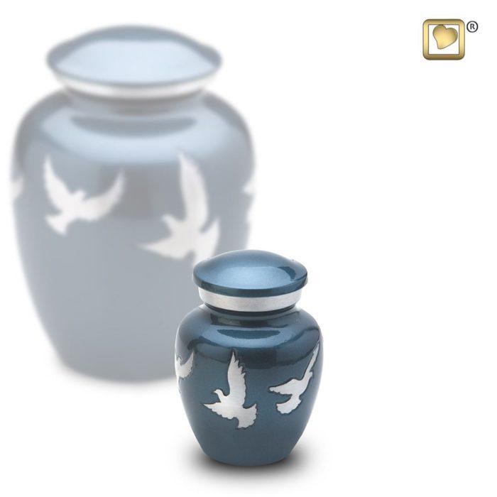 LoveUrns Mini Urne Göttliche Fliegende Tauben (0,07 Liter) Messing Love Bird Urnen