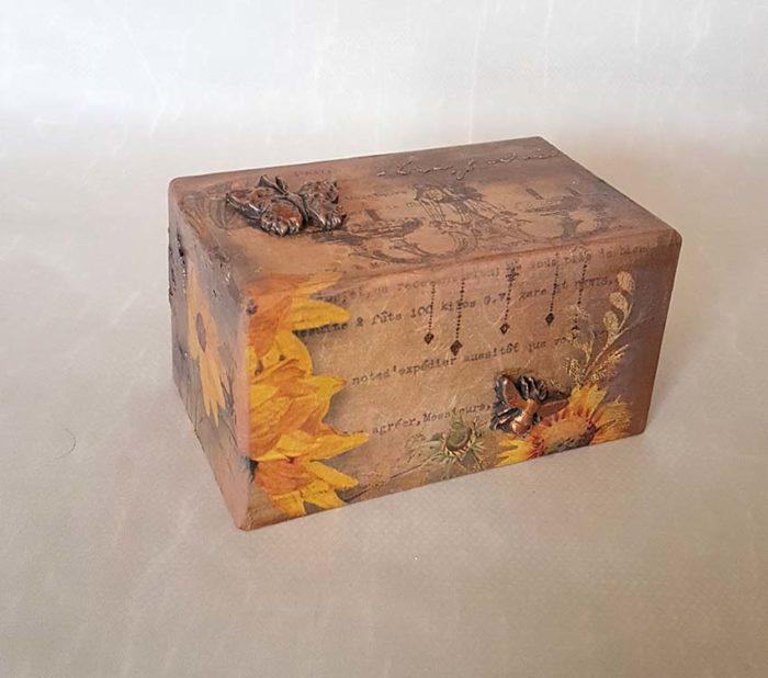 Design Mini Urne Schmetterlinge und Sonnenblumen (0,4 Liter) Holz Design Urnen