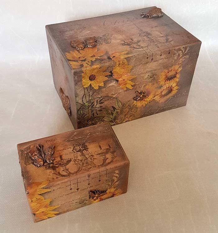 Design Urne Schmetterlinge und Sonnenblumen Vorteilset (3,9 Liter) Holz Design Urnen