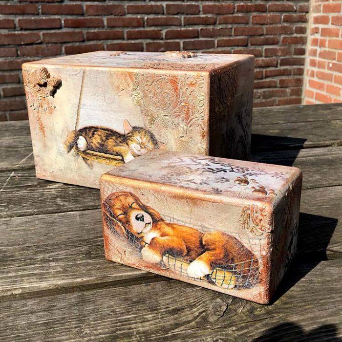 Design Urne Schlafende Katzen Vorteilset (3,9 Liter) Holz Design Urnen